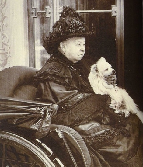 Queen Victoria's and her Pomeranian Turi.